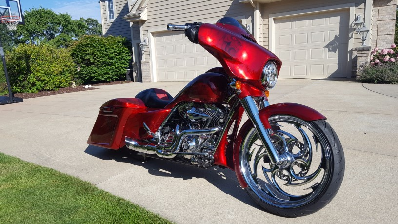 Red Black With Skull Graphics 2016 Street Glide Special